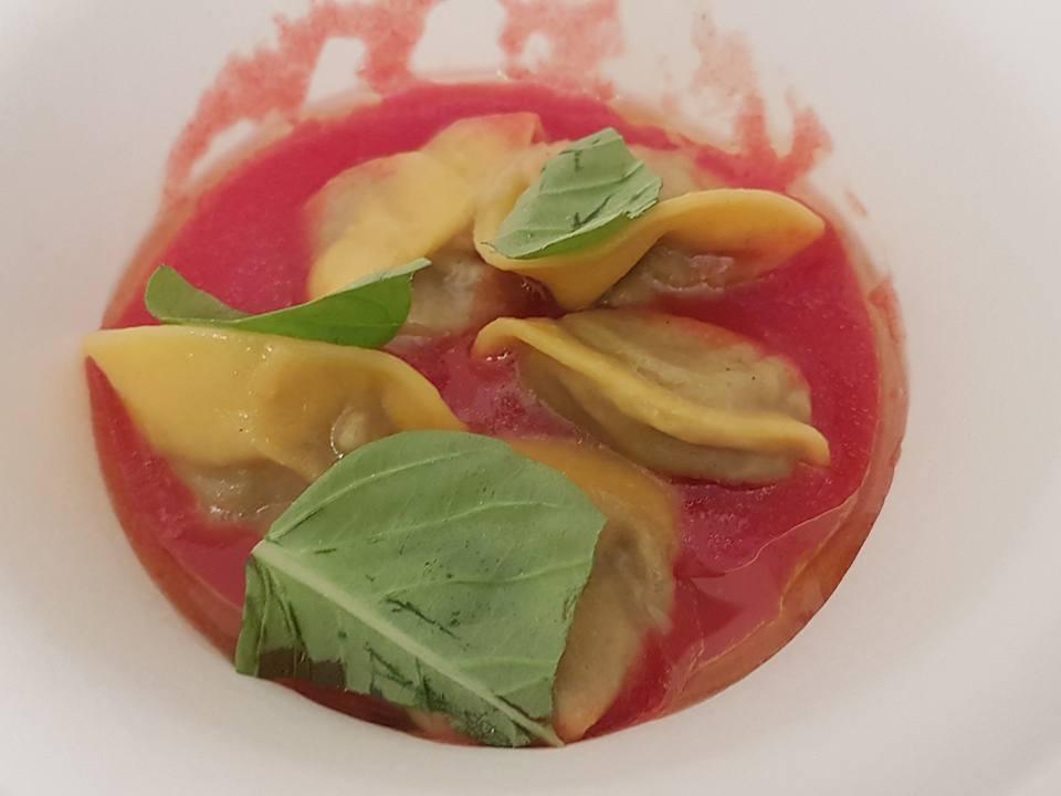 tortelli-di-melanzana-succo-di-pomodoro-e-basilico