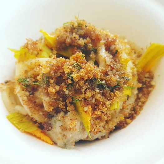 giulio-terrinoni_per-me_superspaghettone-verrigni-cacio-e-pepe-alici-fiori-di-zucca-polvere-di-arancia