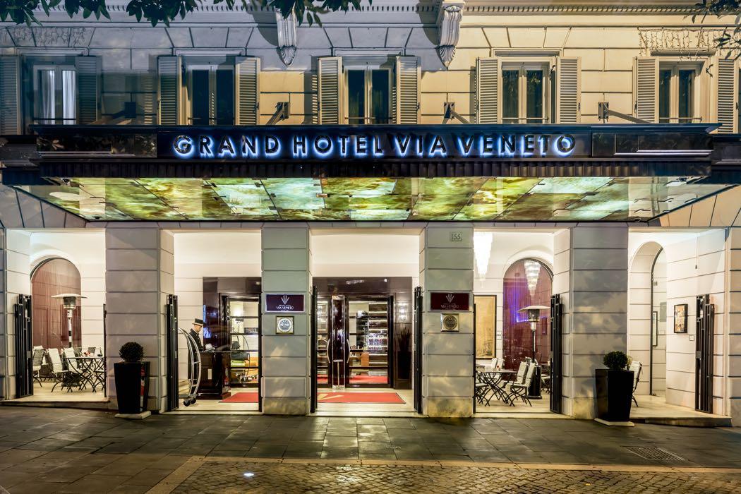 Natale al grand hotel via veneto e al ristorante magnolia for Complementi d arredo via veneto