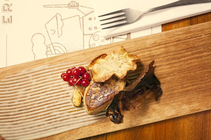 3 scaloppa di foie gras con mele caramellate