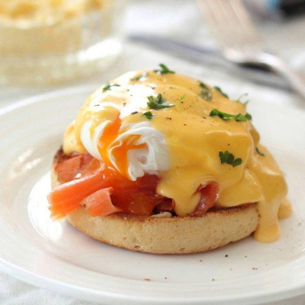 stairs diner uova alla benedict