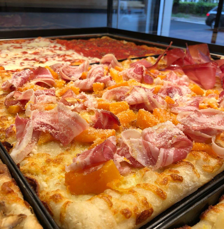 pizza zucca pancetta e stracchino