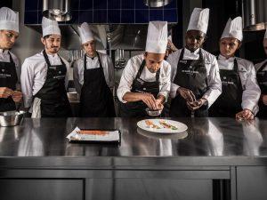 """Luigi Salomone e la sua cucina al nuovo Re Santi e Leoni: """"Ogni piatto deve saper parlare"""""""