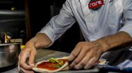 Pizza, arte e design. A Napoli apre Raro