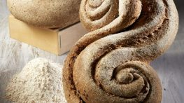 Ricetta del giorno: pane con grano intero e semi di lino di Sara Papa