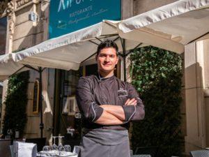 """Fabio Titone: l'estate nel cuore di Milano """"ma mi hanno triplicato il dehors"""""""