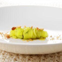 Tagliatella di rapa, colatura di cappero, pinoli, uvetta e finocchietto selvatico di Domingo Schingaro