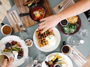 """Dalla colazione alla cena alcune interessanti offerte Delivery per chi ha ancora la """"sindrome della capanna"""" tra Palermo e dintorni"""