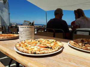 Festa in Piazza. A Salina la pizzeria Franco Manca compie un anno
