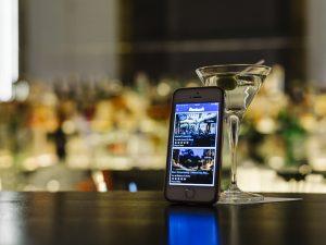 Guida ai migliori cocktail bar d'Italia. L'App gratuita di BlueBlazer