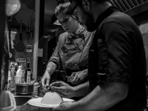 Le Degustazioni de Il Tiranno. Il 9 maggio la cena firmata dalla chef Galli con i vini Feudi del Pisciotto