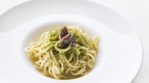 Cucina di mare: gli spaghetti con pane, burro e alici di Molo 21