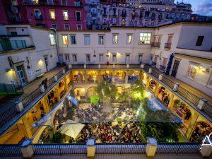 A Napoli nasce Qucine Sociali, food e drink al centro storico