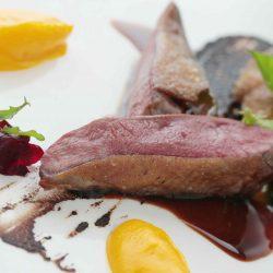 Il piccione della Leggenda dei Frati: la ricetta di Chef Saporito con il Nobile di Carpineto