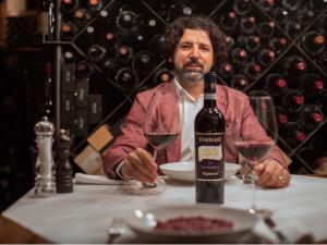 Amarone e cucina gourmet: la novità è la cena digitale con degustazione online