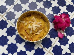 Oggi si celebra il Diwali, la Festa delle Luci indiana. La ricetta dolce della chef Ritu Dalmia