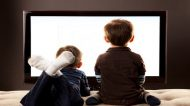 La pubblicità del cibo spinge i bambini a mangiare di più e male