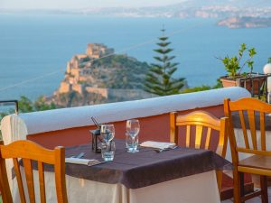 Ischia: itinerario gastronomico tra vicoli, panorami e piatti tipici