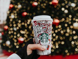 Previsioni per Natale e Capodanno? Starbucks Coffee apre a Roma in Piazza San Silvestro in grande stile americano