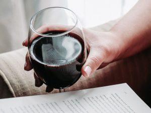 Libri e Vino: i titoli da regalare ai winelover
