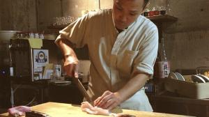 Michiaki Nitta in cucina a East Market Diner: lo chef giapponese propone il suo celebre Donburi