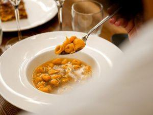 Bologna: così i ristoranti si preparano alla riapertura post lockdown