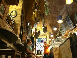 A Napoli arrivano hamburger, salumi e frittatine