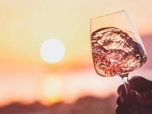 50 Top Italy Rosé 2021: online la prima guida dedicata ai vini rosati, fermi e mossi d'Italia