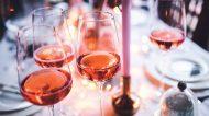 """È tempo di rosati. I nostri consigli sui """"fiocchi rosa"""" di alcune cantine siciliane"""