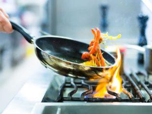 Stelle di solidarietà: ecco tutte le iniziative degli chef negli ospedali d'Italia