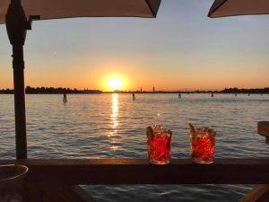 """Venezia: 5 indirizzi per bere uno """"spritz"""" durante la Festa del Cinema"""