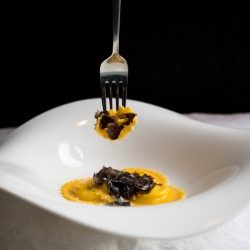 Ravioli ripieni di fonduta di parmigiano