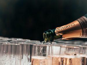 """MangiaeBevi presenta """"Sua Maestà lo Champagne"""": l'Essenza di un Vino Unico in 4 Lezioni-Degustazione"""